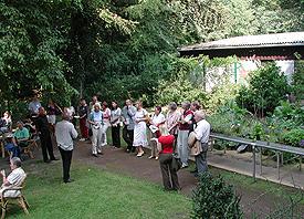Diakonie Michaelshoven lud zum Jahresfest – das Interesse war sehr groß. Die Vielzahl der Angebote ist es auch.