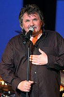 Kult in der Kulturkirche: Tommy Engel kommt mit seinem Soloprogramm