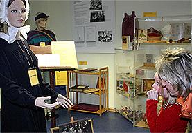Einzigartig in NRW: Kindergartenmuseum in Bergisch Gladbach. Oder: Eine Reise in die Kinderzeit.