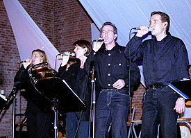 Mut zum Glauben? Wilfried Schmickler hatte seine Premiere als Prediger – bei der Beatmesse in der evangelischen Johanneskirche.
