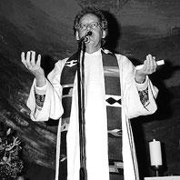 """""""Humor ist für mich die sanfte Revolution"""", sagte Uwe Seidel. Aber er stand auch für die ethisch-politische Verantwortung im Leben und Handeln von ChristInnen. Nun ist er tot."""