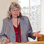 """Telefonseelsorge: """"Unsere Arbeit ist ein Seismograf für die gesellschaftliche Entwicklung"""", sagte Pfarrerin Gabriele Koye im EKiR-Interview"""