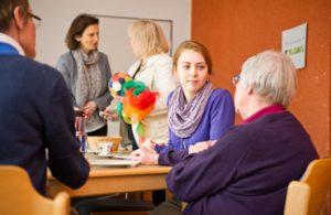 Unterstützung für Menschen mit Demenz im Café Lindenblüte