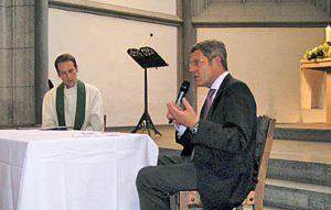 Bernhard Mattes im dialogischen Gottesdienst in der Antoniterkirche