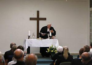 Evangelische Kirchengemeinde Köln-Riehl verabschiedete sich von der Kreuzkapelle