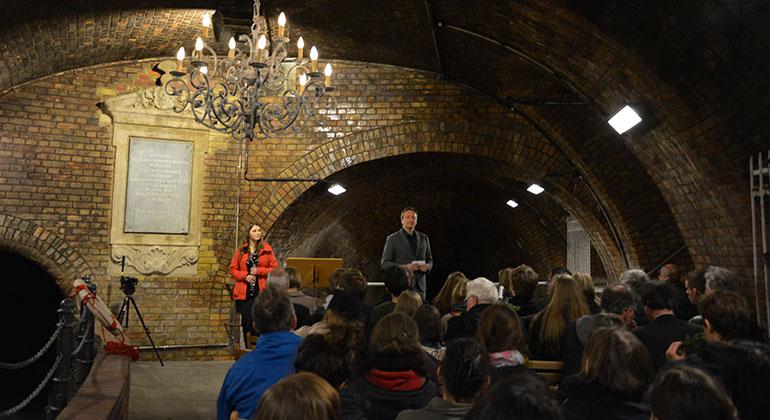 Kronleuchtersaal ~ Erster gottesdienst im kronleuchtersaal der kölner kanalisation