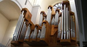 23. Juni, 18 Uhr, Trinitatiskirche Köln: Stimmungsvolle Orgelvesper mit Pianistin Yuko Nishimura-Kopp und Pfarrerin Susanne Beuth