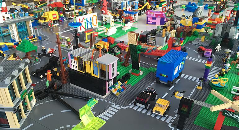 Ferien-Tipp: LEGO-Bautage in Höhenhaus