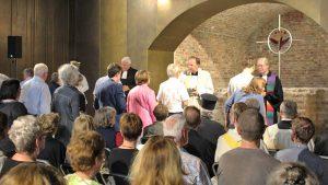 """Stellungnahme der ACK Köln zum sogenannten """"Kommunionstreit"""" in der Ökumene – und eine Einladung zum ökumenischen Gottesdienst mit Tauferinnerung im Baptisterium"""
