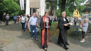 """Bewegender Abschied beim letzten Gottesdienst in der Erlöserkirche Weidenpesch und Freude auf die neue """"Kirchen-WG"""""""