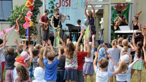 WM-Kindermusical verwandelte den Garten der Kreuzkirche Stommeln in einen Dschungel