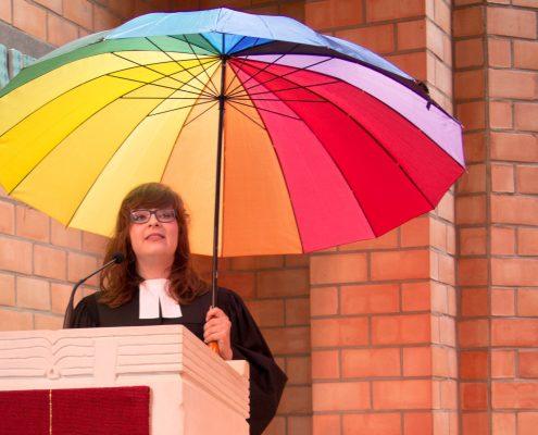 Predigt mit Schirm: Kerstin Lube