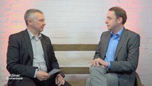Auf der Kölner Kirchenbank: Dr. Martin Bock und Sammy Wintersohl