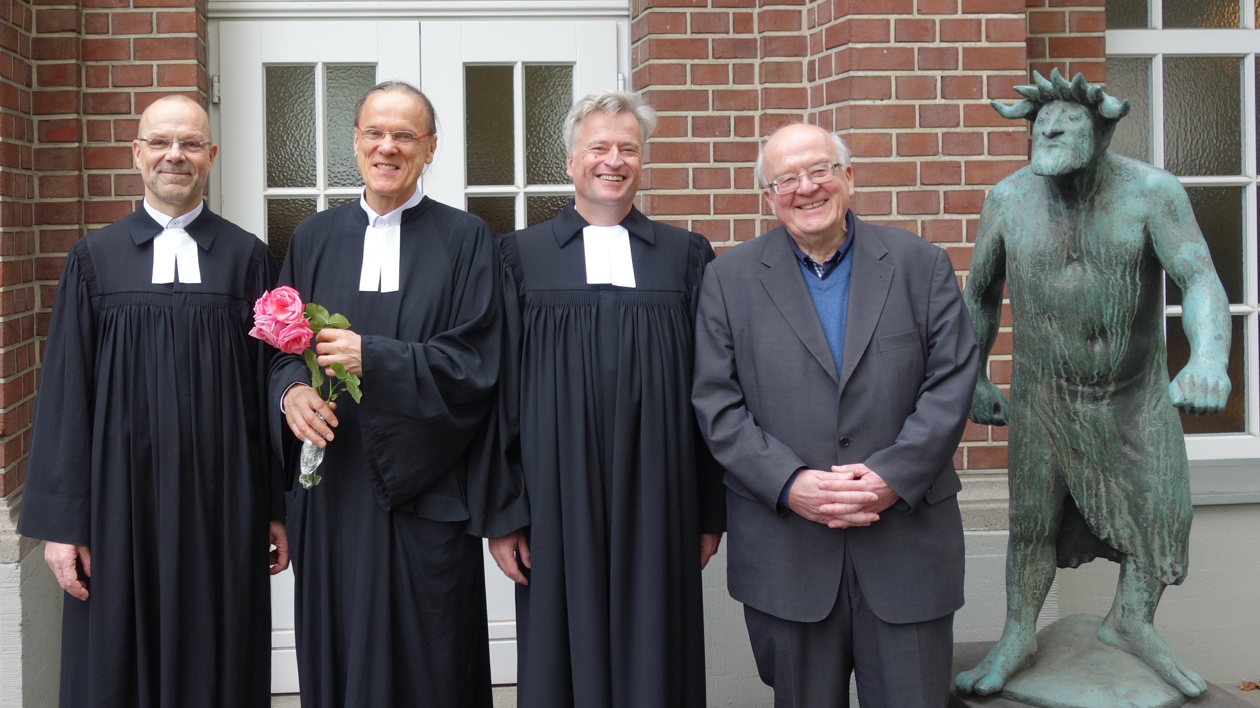 """""""Nicht ihr habt mich erwählt, sondern ich habe euch erwählt"""" –  Prädikant Walter Hoischen ordiniert"""