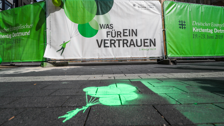 """One day in paradise"" – Tagesfahrkarten zum Kirchentag"