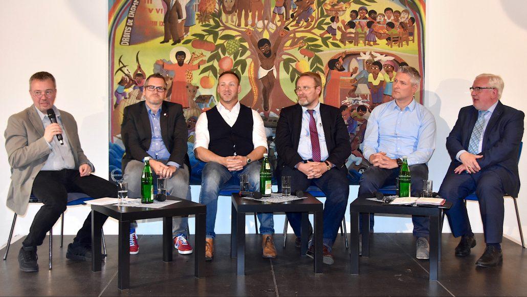 """""""Die Region muss sich gemeinsam neu finden"""" – Podiumsdiskussion (mit Video)"""