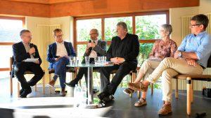 """Besonnenheit und Umkehr – Podiumsdiskussion über die Frage """"Wie erreichen wir die Klimaziele?"""""""