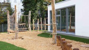 Auf die Plätze, hangeln, klettern, matschen: Los! Das neue Außengelände der Evangelischen Kindertagesstätte Kinderarche in Köln-Ehrenfeld ist fertig