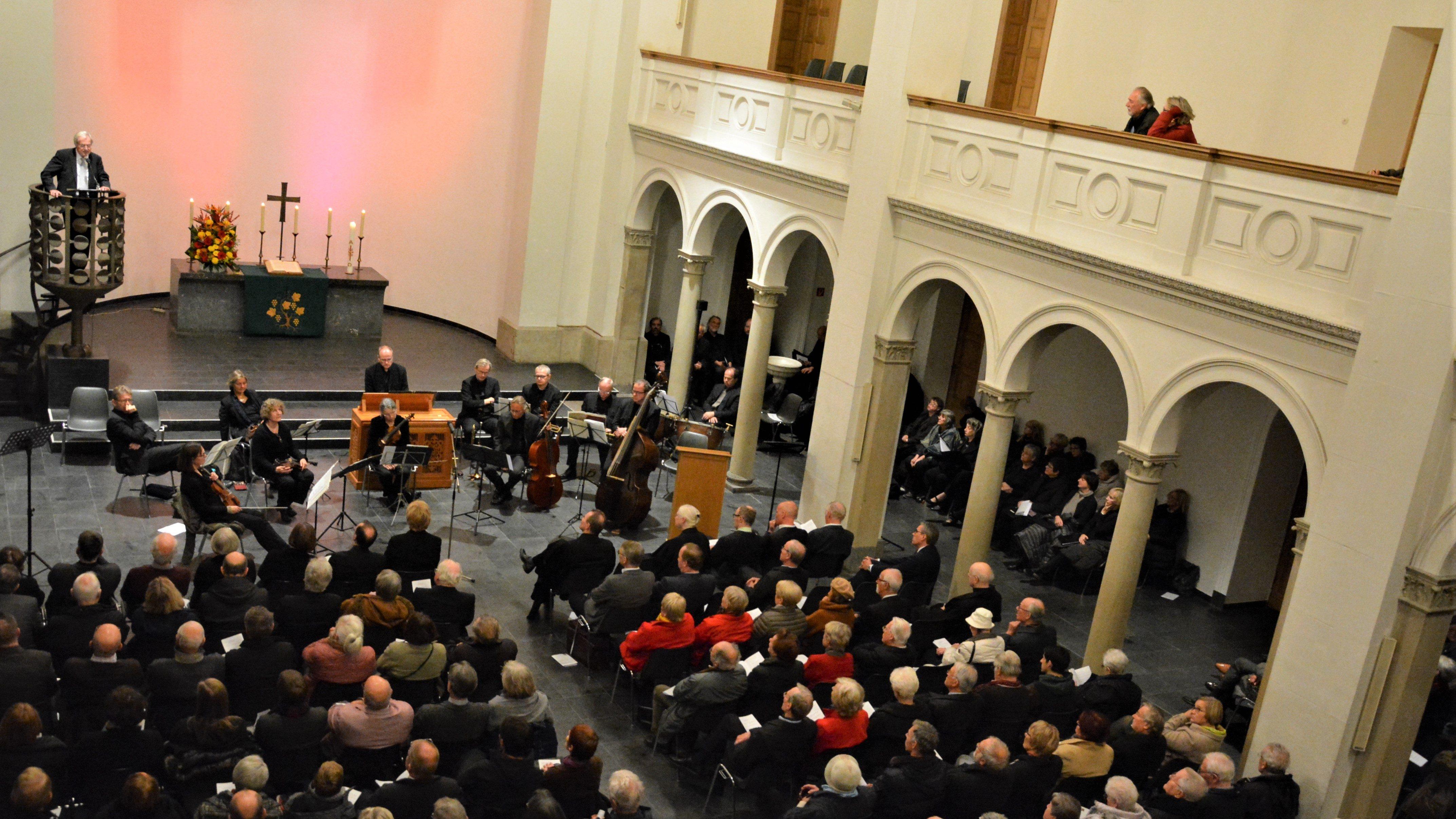 """""""Wir müssen uns vom Tod nicht weiter herumschubsen lassen"""" – Zentrale Reformationsfeier des Evangelischen Kirchenverbandes Köln und Region in der Trinitatiskirche"""