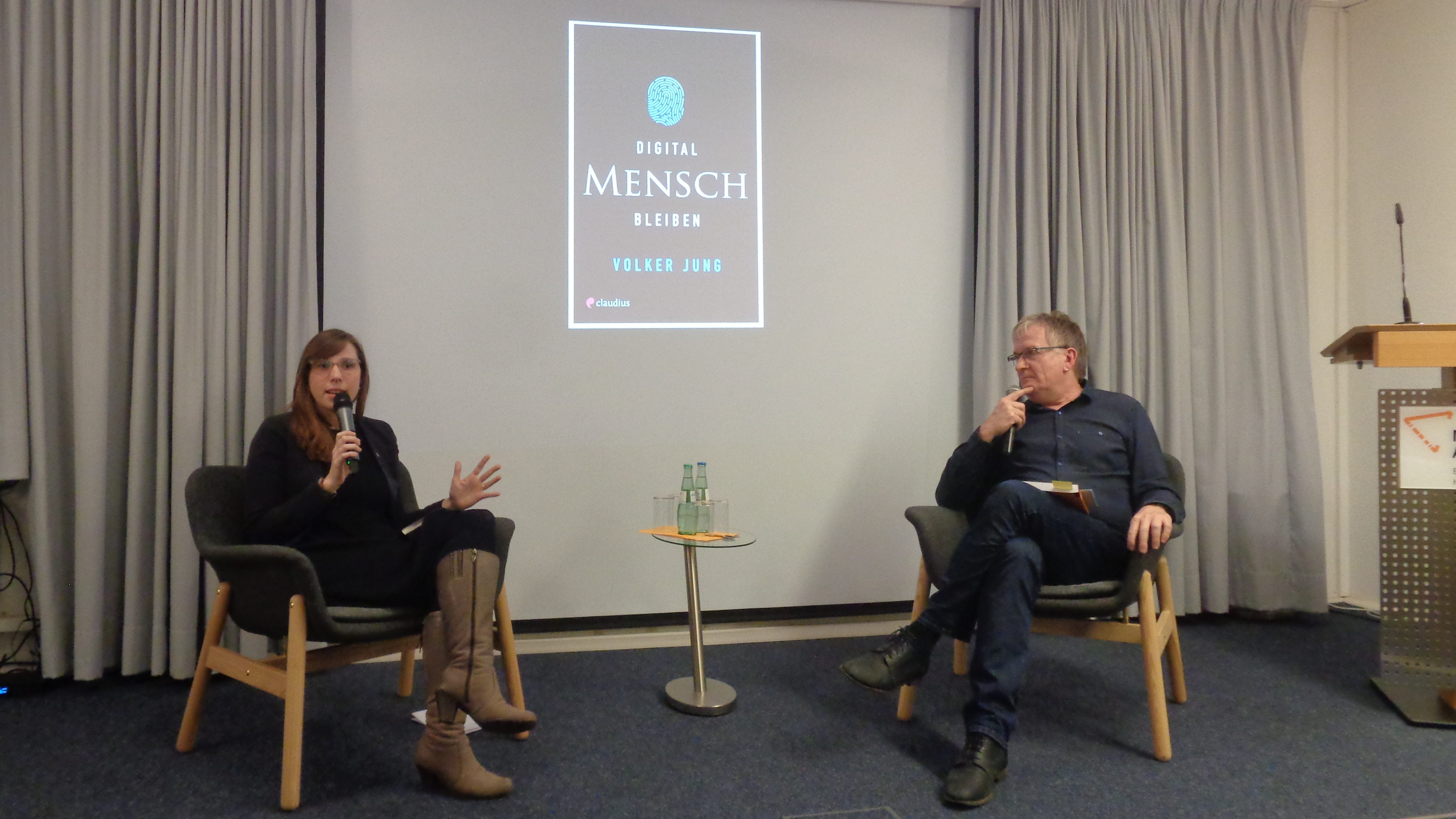 """""""Brot und Buch"""" – Buchvorstellungen zum Semesterbeginn der Melanchthon-Akademie"""