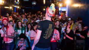 #denäxtjeneraeschen tanzt und feiert im Blue Shell