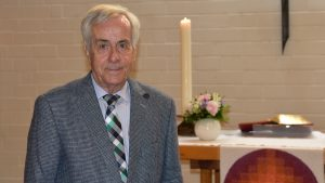 Anhaltender Applaus für Pfarrer i. R. Helmut Spengler – Goldenes Ordinationsjubiläum in der Matthäuskirche