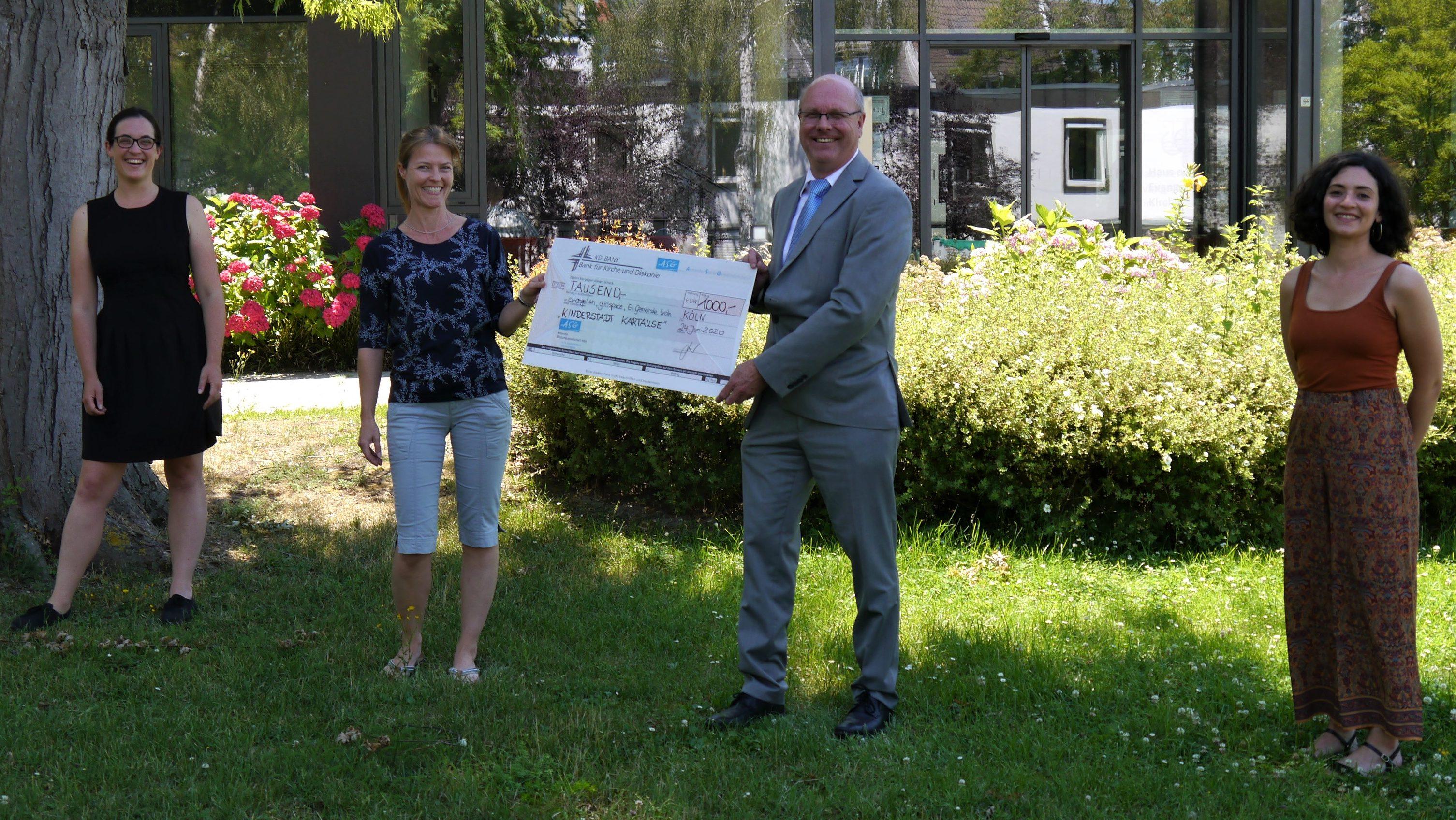 """Antoniter Siedlungsgesellschaft unterstützt seit acht Jahren kirchliche Projekte – Spenden für """"Kinderstadt Kartause"""" und """"Mini Hürth"""""""