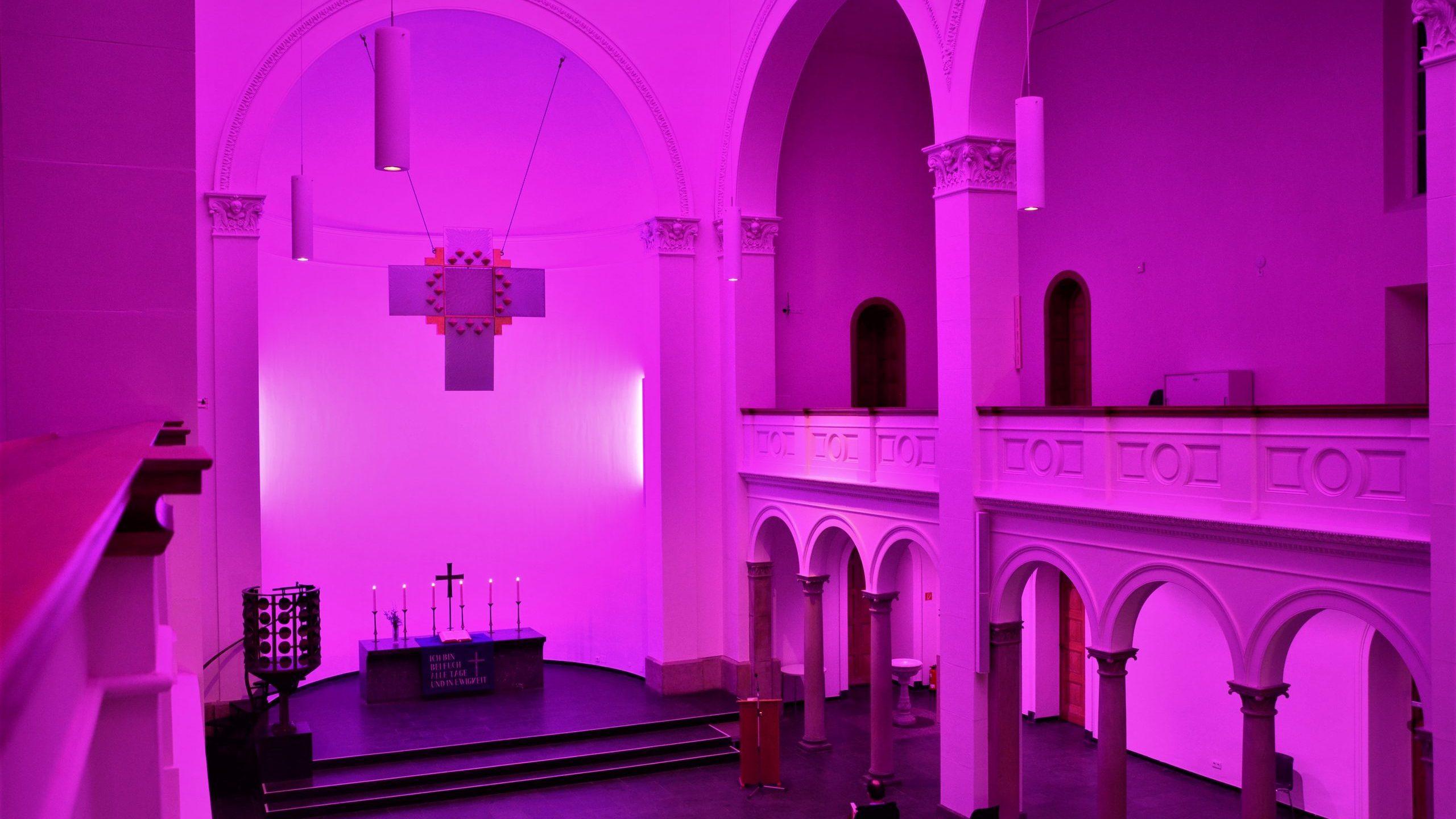 Eindrucksvolle Stille mit Musik im Raum 23 Gotteshäuser standen offen bei der Langen Nacht der Kirchen