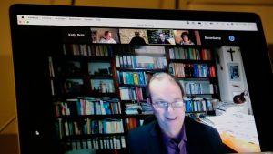 Stadtsuperintendent Bernhard Seiger beleuchtet die spirituelle Krise der Kirche
