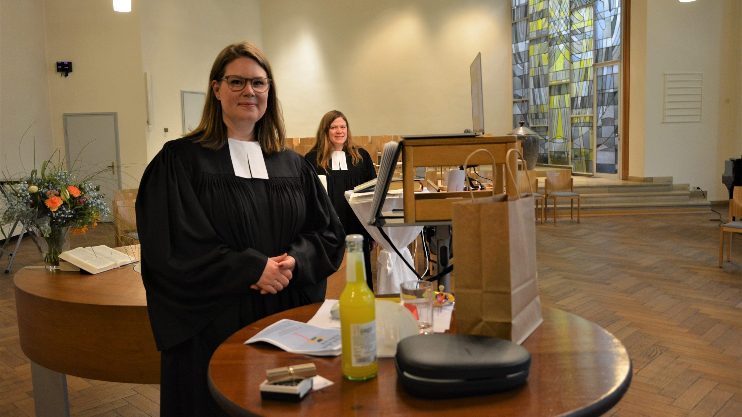 """""""Gottes Geist gibt Rückenwind"""" – Pfarrerin Mareike Maeggi in ihr Amt eingeführt"""