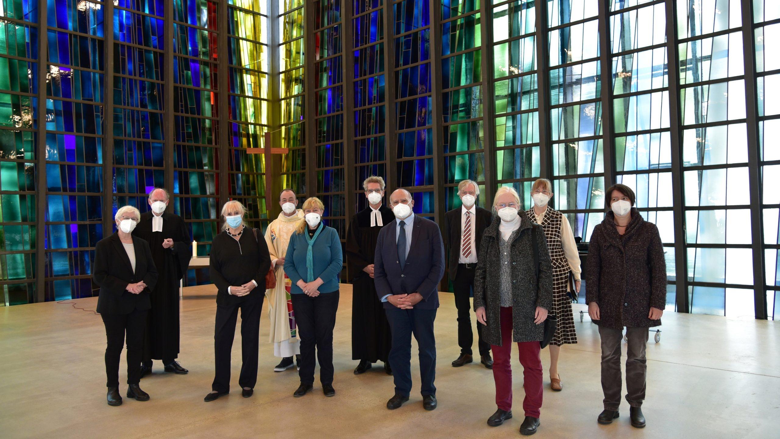 Stephanuskirche in Köln-Riehl nach ihrer Grundsanierung mit drei Gottesdiensten wiedereröffnet