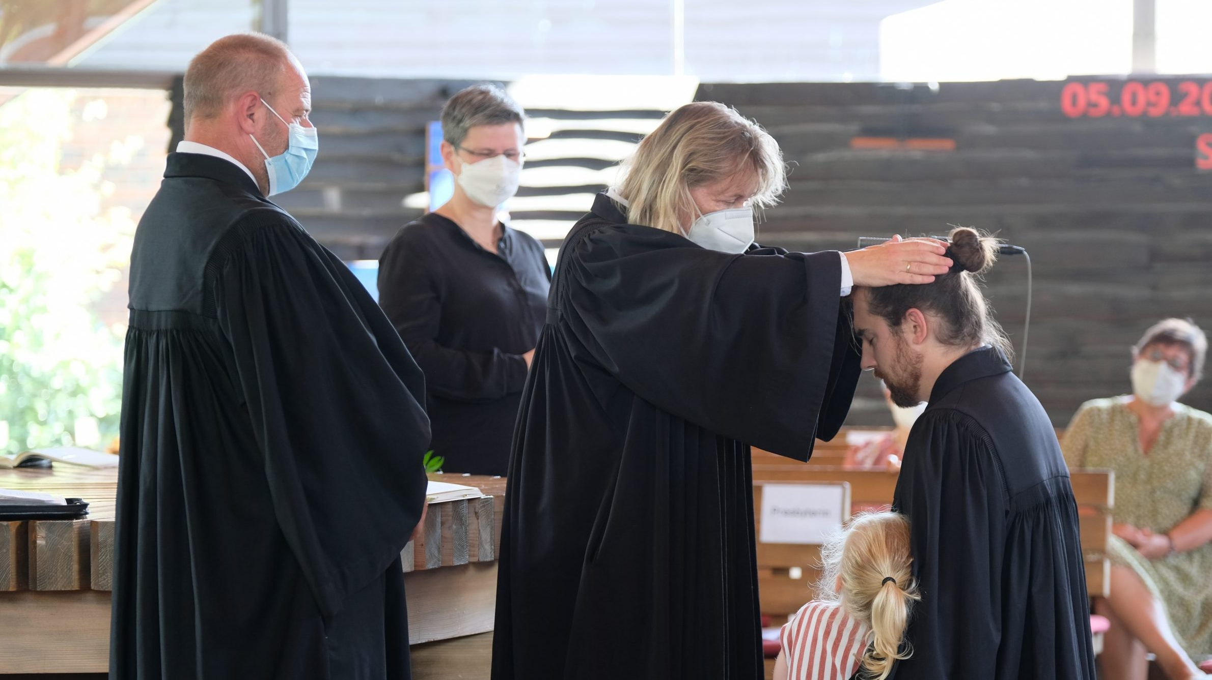 Amtseinführung von Pfarrer Samuel Dörr: Innerlich frei, doch mit Gott verbunden